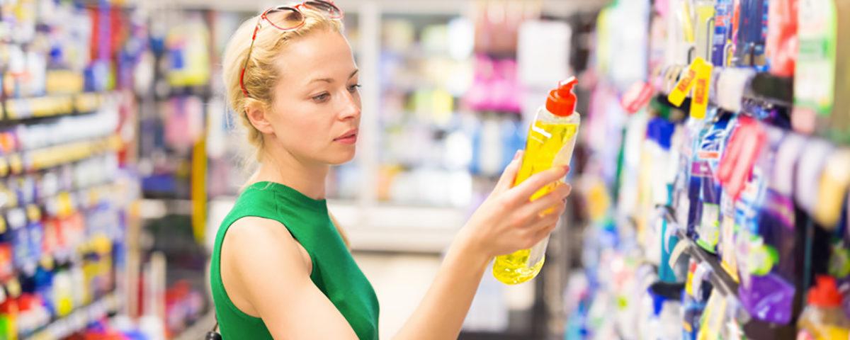 Ménage en maison de vacances : quels produits d'entretien laisser à disposition ?