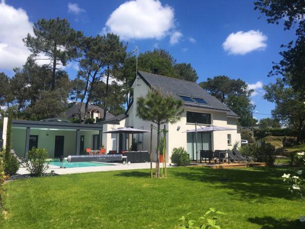 Une maison avec piscine aux portes du golfe du Morbihan à Vannes